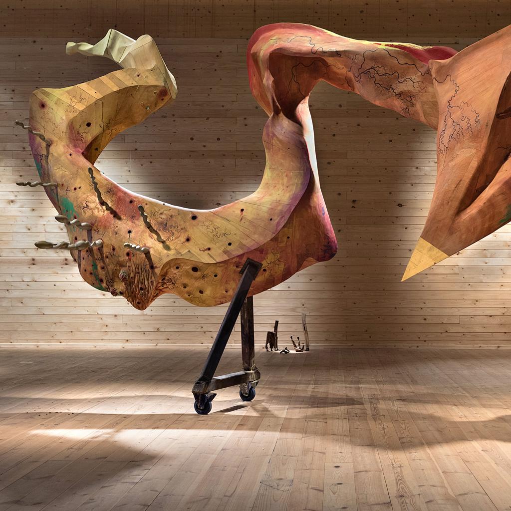 Bild på en stor skulptur av Ian Newbery